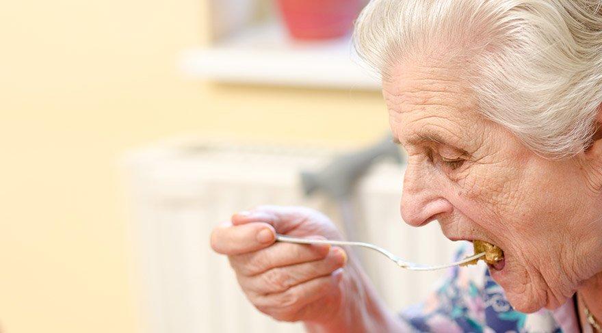 Yaşlı Beslenme